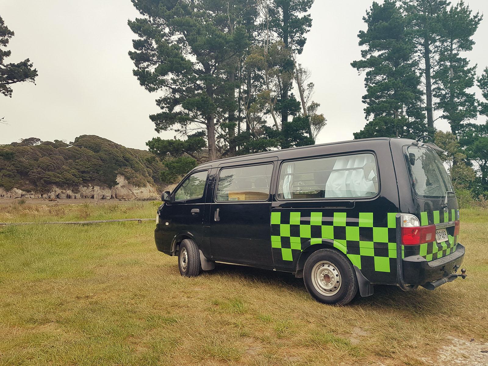 Camper in Neuseeland an der Golden Bay
