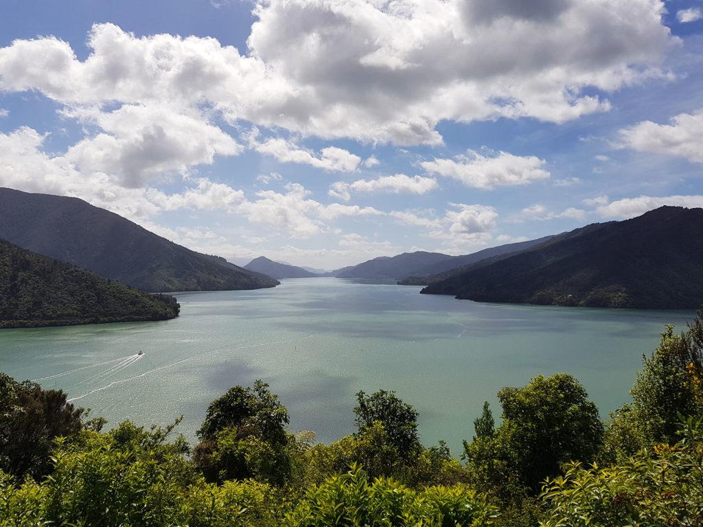 Aussicht auf Marlborough Sounds von Anakiwa-Wanderung