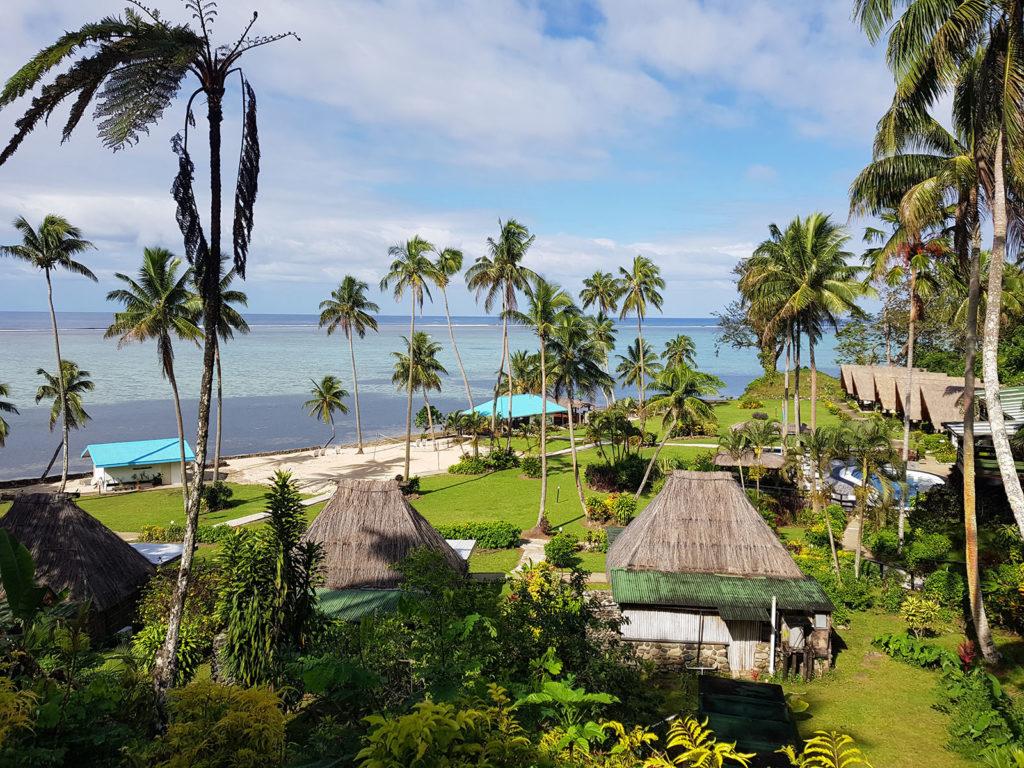 Fiji mit Meer, Palmen und Buren