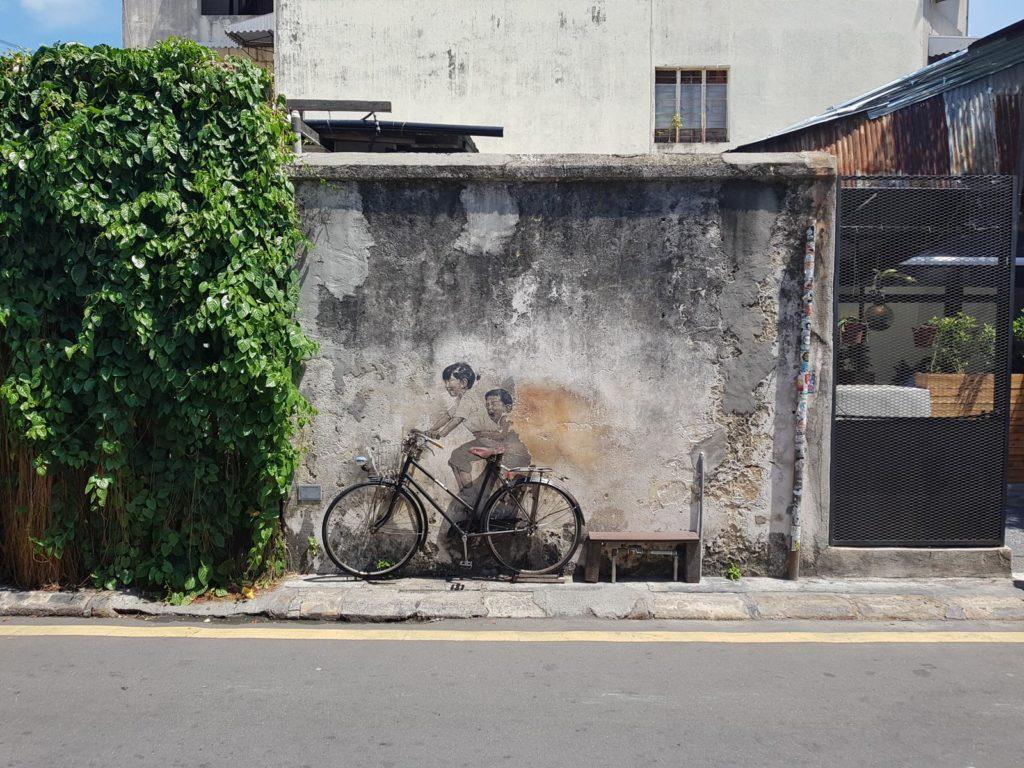 Fahrrad mit Street Art in Penang